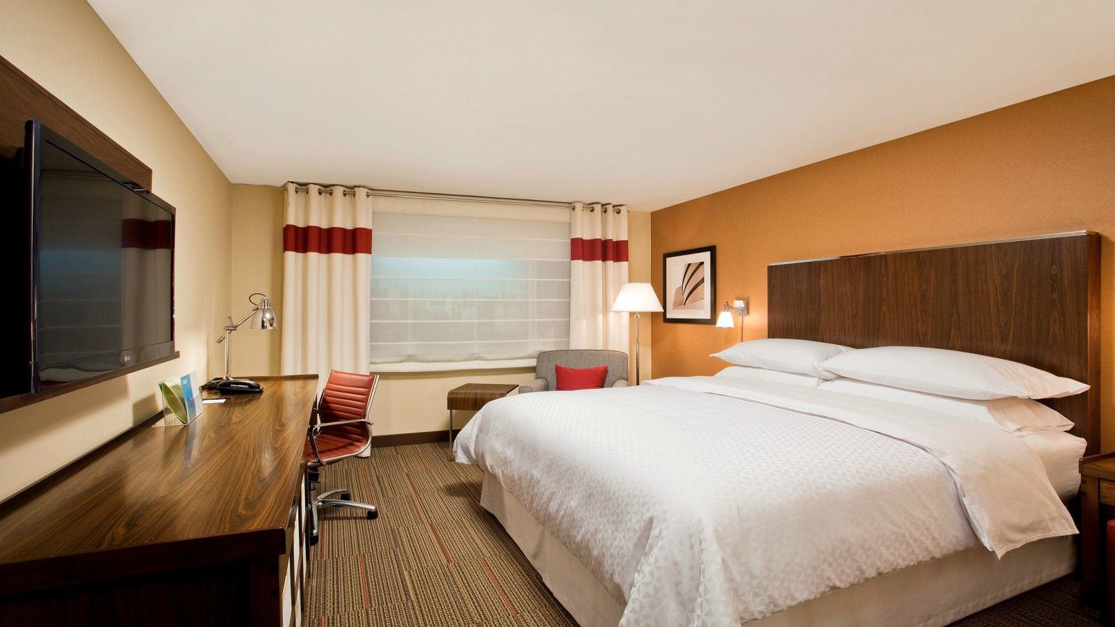 King Guest Room - Houston Accommodations